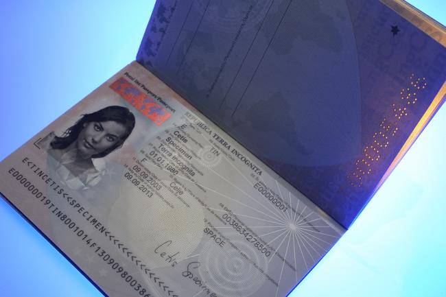 CETIS launches new e-passport data page polycarbonate binding solution